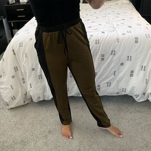 Tobi Army Green & Black Drawstring High Waist Pant